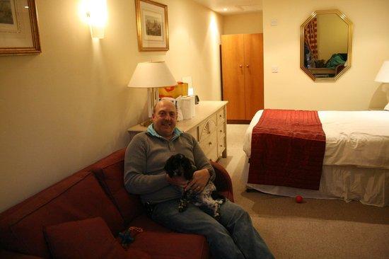 Cross Keys Inn :                   Comfy sofa and side board