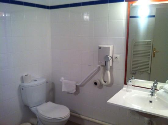 Appart'City Clermont-Ferrand Centre : salle de bain