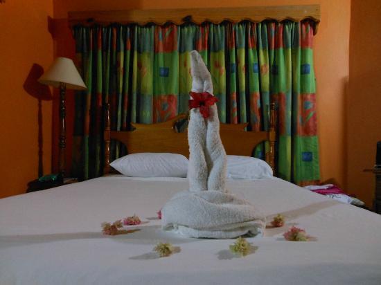 Merrils Beach Resort II: questo è solo uno dei letti nella camera
