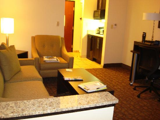 Holiday Inn Express Hotel & Suites Topeka West I70 & Wanamaker: Large room