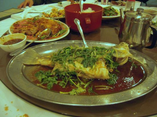 Silver Seafood Restaurant: whole fish