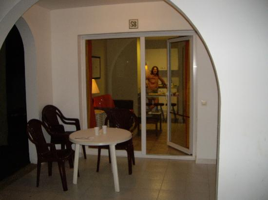 Apartamentos Guacimeta Lanzarote: vista desde el exterior