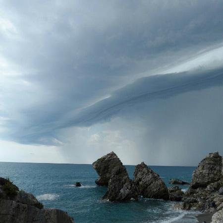 Cetraro, อิตาลี: private beach ...storm rolling over..stunning