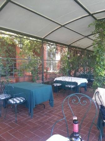 Ristorante Albergo Quattro Gigli: la veranda