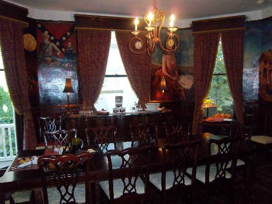 Azalea Inn & Villas: Diningroom