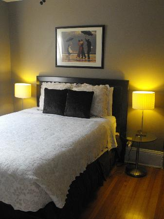 "Avalon Bed & Breakfast: ""Sable"" Room"