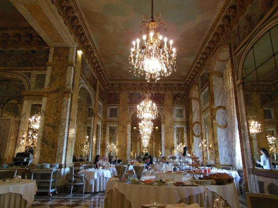 Hotel de Crillon: Beautiful and Historic Les Ambassadeurs