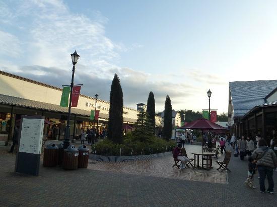 Toki Premium Outlets: 欧米の街並みのようです