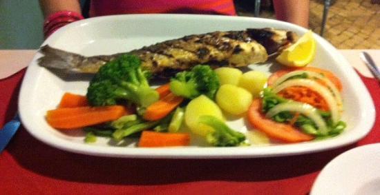 restaurante  A BROA : The large, 'fluffy' sea bass!