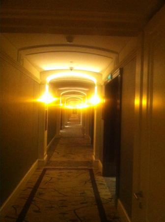 Fairmont Peace Hotel: Peace Hotel - Hallway