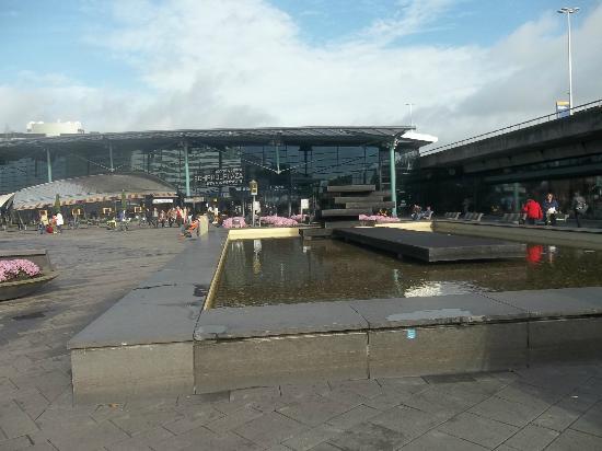 Hotel Ibis Schiphol Amsterdam Airport: airport