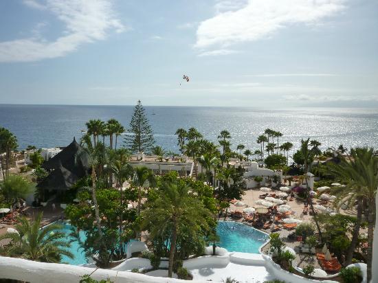 Balcony picture of hotel jardin tropical costa adeje for Jardin tropical tenerife tripadvisor