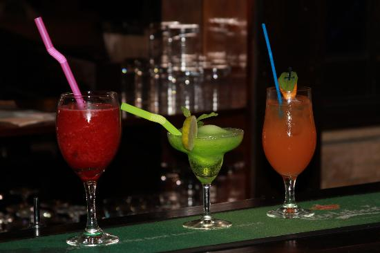 Black Toro : Colorful and delicious coctails