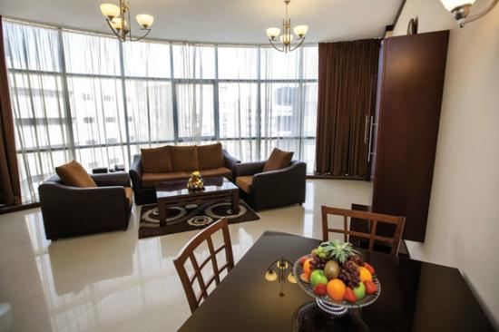 Xclusive Maples Hotel Apartments : Living & Dining Room