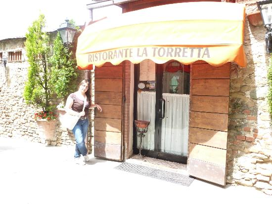 La Torretta: l'ingresso del ristorante