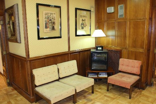 Hotel Castellano I: recepcion