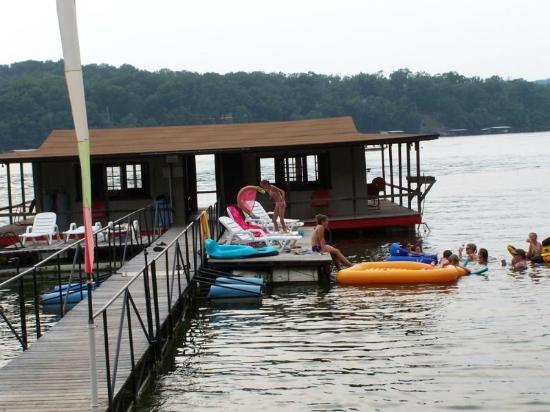 Breezy Point Resort: Fishing dock with swim platform