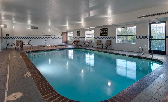 Hampton Inn Provo: Pool & Spa