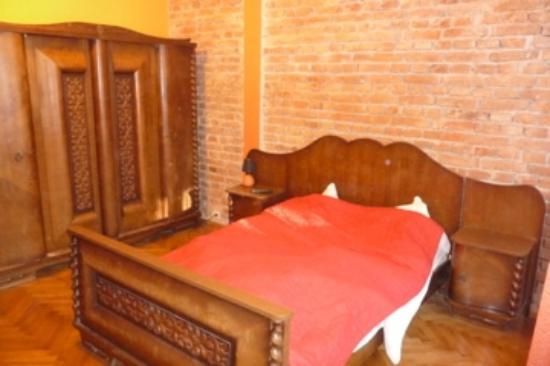 Finger Guest Rooms Krakow: Spacious room in good loc.