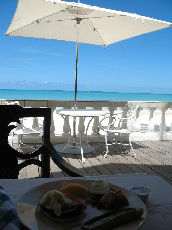 Sandals Grande Antigua Resort & Spa: Breakfast with a view at Bayside restaurant