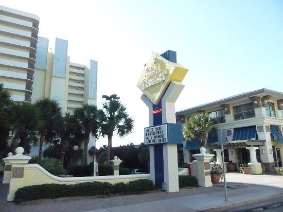 Sea Crest Oceanfront Resort: Front of Sea Crest