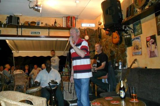 Claddagh: open mic