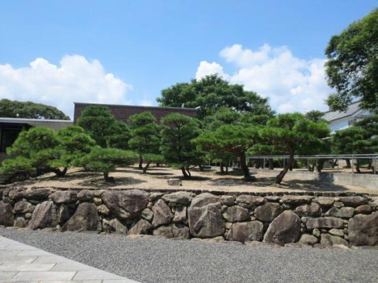 Hayashibara Museum of Art: 美術館庭園