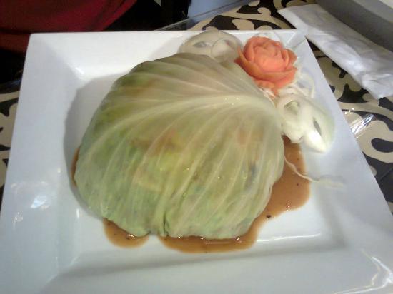 GREENS : Great presentation - beautiful carrot rose - really yum food!