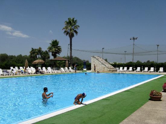La piscina picture of il tempio di bacco castellana - Piscina francavilla fontana ...