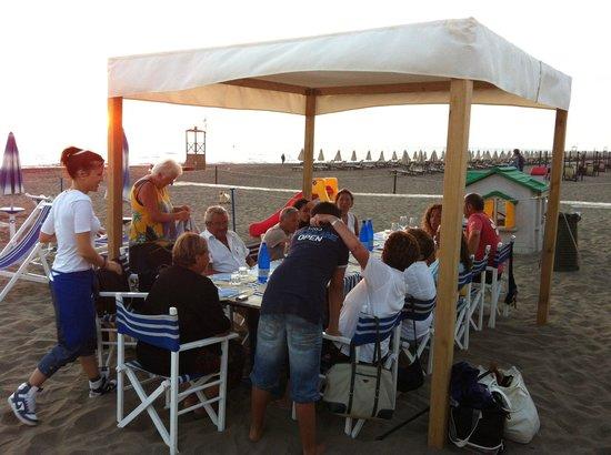 Santa lucia beach restaurant marina di castagneto carducci restaurant reviews phone - Bagno lucia marina di pietrasanta ...