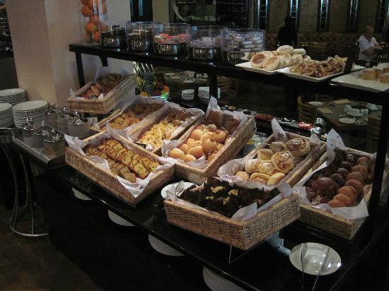 ฮิลตัน โคลัมโบ เรสซิเดนซ์: Breakfast Buffet
