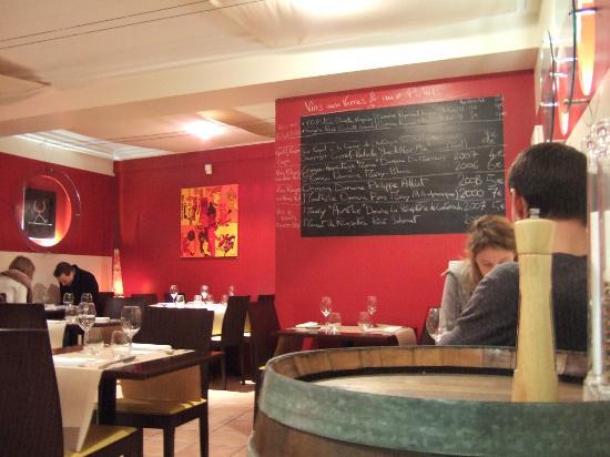 Le verre a Pied: Salle de restaurant