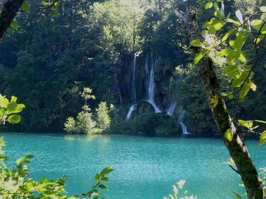 Veliki Slap : cascades at Plitvice, Croatia