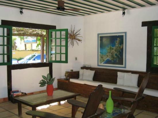 Barla Inn: Sala de TV