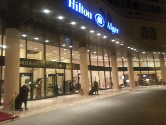 Hilton Alger: entrée de l'hotel