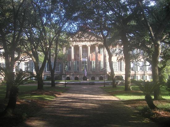 College of Charleston : Morning light on Randolph Hall
