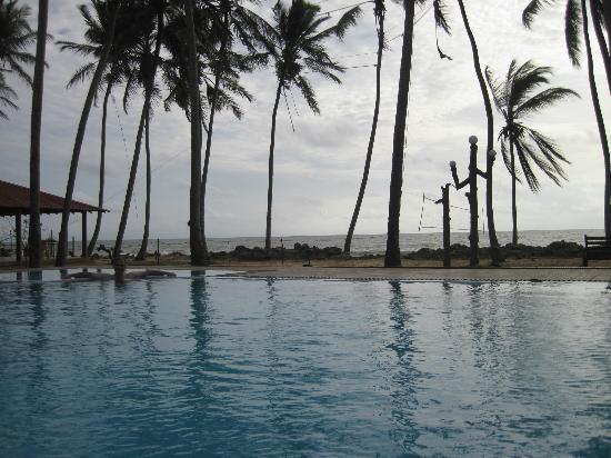 Sanmali Beach Hotel: Pool