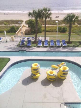 Palmetto Shores Oceanfront : Sweet...super clean lazy river (partial pic)