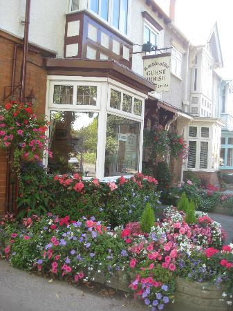Ambleside Guest House: Quintessential British B&B