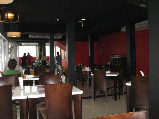The Embassy Sathorn: Restaurant