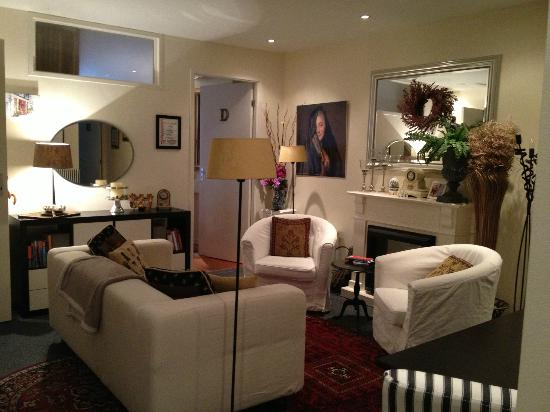 Boogaard's Bed and Breakfast: Living Room in Apartment