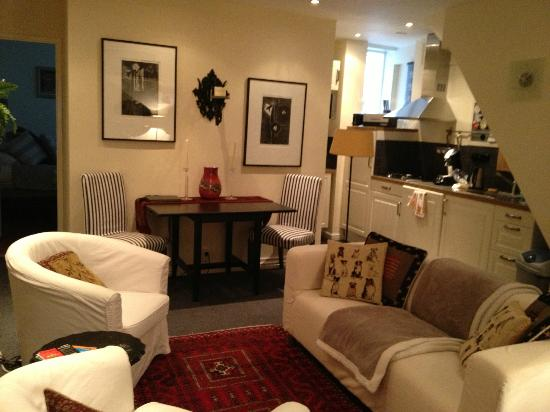 Boogaard's Bed and Breakfast: Dining Area in Apartment
