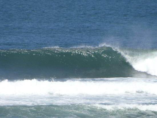Hotel Santa Catalina Panama: The wave out front can look like this.