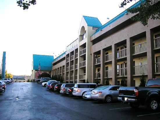 Shular Inn Hotel: Main Building