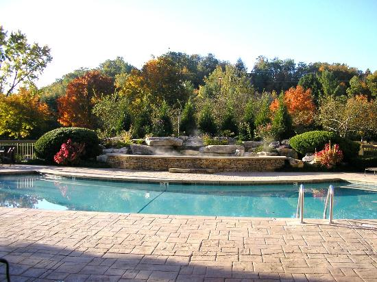Shular Inn Hotel: Outdoor pool