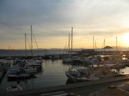 La Vecchia Scuola: view from port