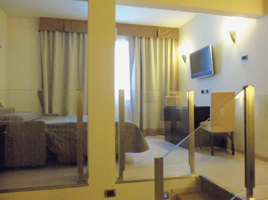FH Grand Hotel Mediterraneo: HABITACIÓN