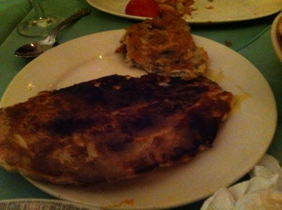 Bengal Raj: The awful cheese naan, we were served.