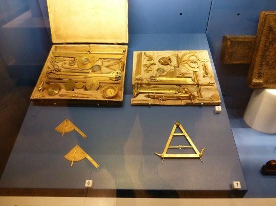 Museo Galileo - Institute and Museum of the History of Science: Galileo's instruments