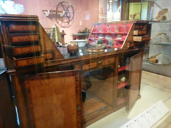 Museo Galileo - Institute and Museum of the History of Science: This desk shores a multitude